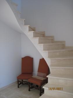 r alisation d 39 un escalier en pierre toulouse marbrerie occitane. Black Bedroom Furniture Sets. Home Design Ideas